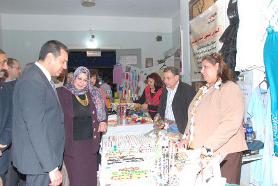 معرض المجلس القومى للمرأة للمنتجات اليدوية (2)
