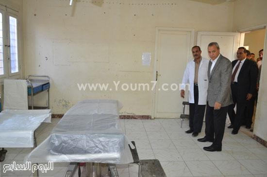 مدير مستشفى نجع حمادى-اللواء عبدالحميد الهجان -محافظ قنا (1)