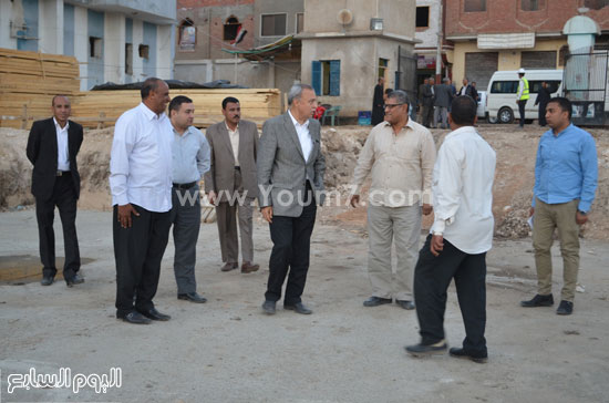 مدير مستشفى نجع حمادى-اللواء عبدالحميد الهجان -محافظ قنا (2)