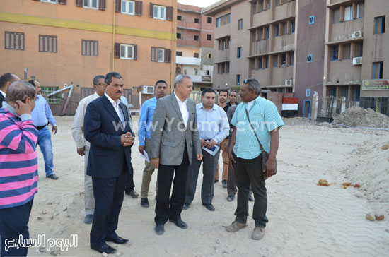 مدير مستشفى نجع حمادى-اللواء عبدالحميد الهجان -محافظ قنا (8)