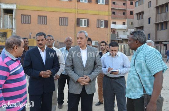 مدير مستشفى نجع حمادى-اللواء عبدالحميد الهجان -محافظ قنا (9)