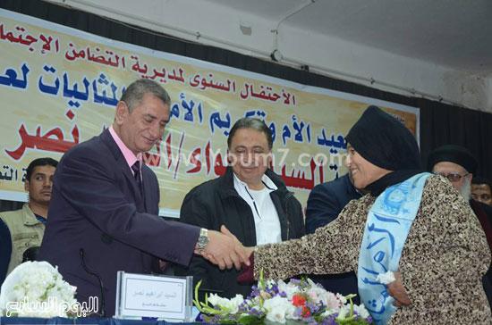 وكيل وزارة الأوقاف بكفرالشيخ لن ننسى أمهات الشهداء (2)