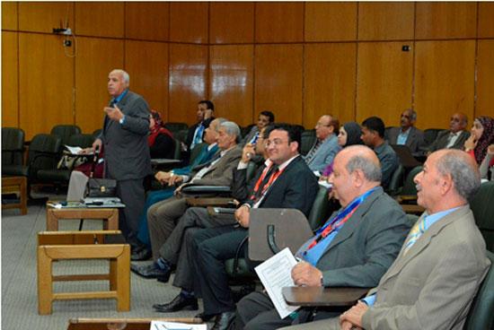 المؤتمر الدولى الثامن للتنمية والبيئة بجامعة أسيوط (4)