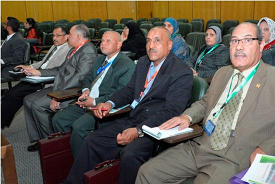 المؤتمر الدولى الثامن للتنمية والبيئة بجامعة أسيوط (6)