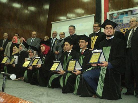 جامعة بنها تحتفل بمرور 40 عامًا على إنشاء كلية الطب (1)