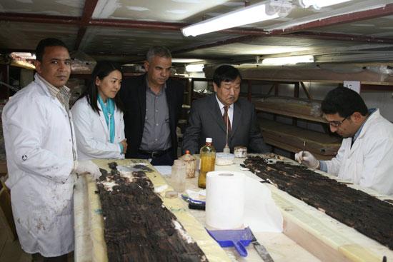 زيارة رئيس بعثات جامعة واسيدا اليابانية لمركب خوفو (2)