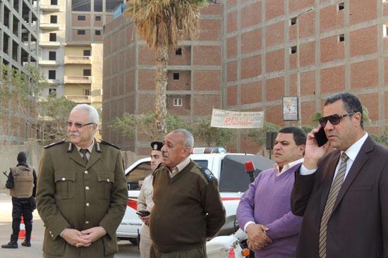 اللواء محمد خريصة مدير مباحث البحيرة خلال الحملة (2)