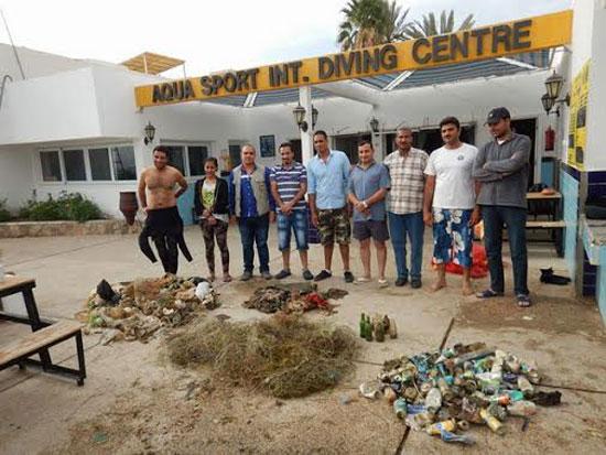 حملة نظافة لمناطق الغوص بمحمية أبو جالوم بطابا (3)