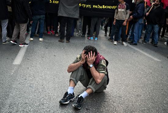 مهاجرون ولاجئون يتظاهرون فى أثينا ضد الاتفاق الأوروبى-التركى (11)
