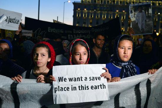 مهاجرون ولاجئون يتظاهرون فى أثينا ضد الاتفاق الأوروبى-التركى (6)