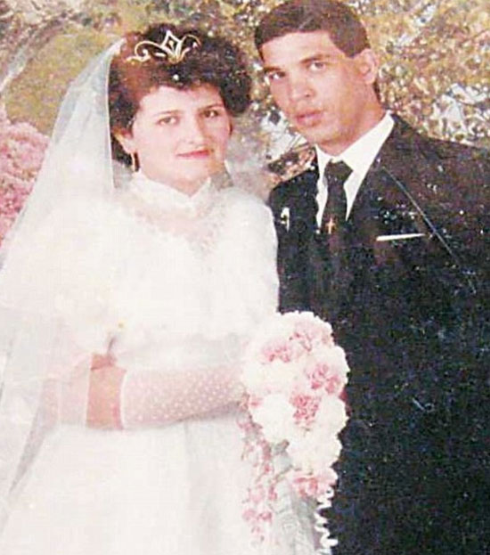 زواج مختطف الطائرة المصرية (2)