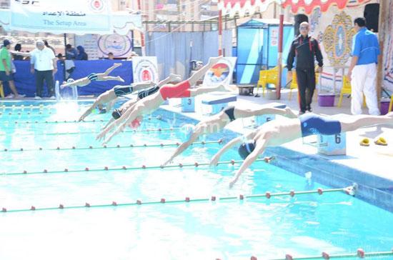 جانب-من-افتتاح-بطولة-الجمهورية-لسباحة-البراعم-(1)