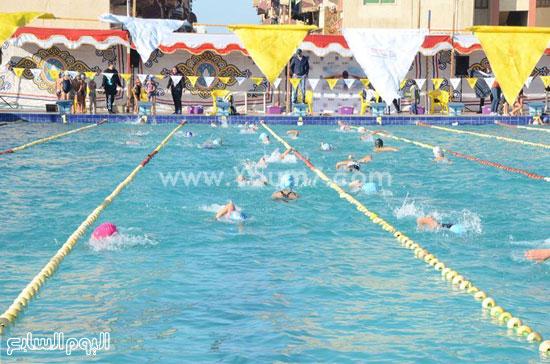 جانب-من-افتتاح-بطولة-الجمهورية-لسباحة-البراعم-(4)