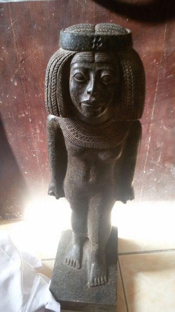 1 اثار الشرطة  تثمال فرعونى (1)