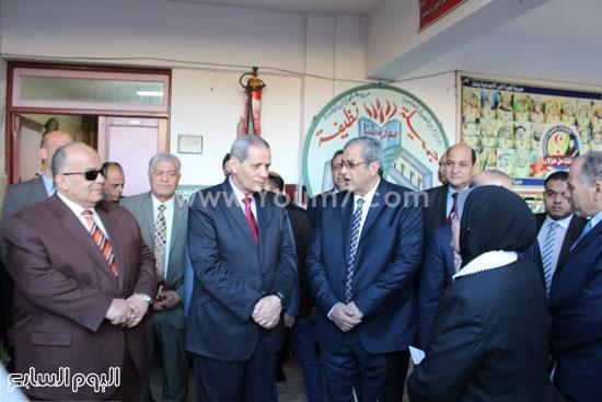 زيارة وزير التعليم لمدرسة شجرة الدر بالدقهلية (3)
