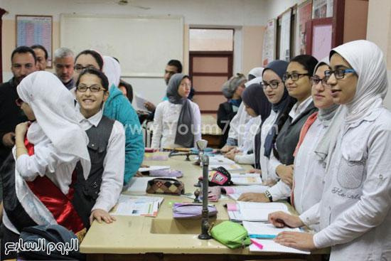 زيارة وزير التعليم لمدرسة شجرة الدر بالدقهلية (5)