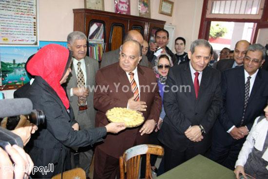 زيارة وزير التعليم لمدرسة شجرة الدر بالدقهلية (7)