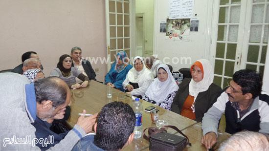 موظفو الحكومة أثناء اجتماعهم (1)