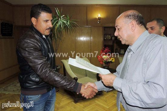 مدير امن السويس يكرم 4 امناء بقسم فيصل (2)