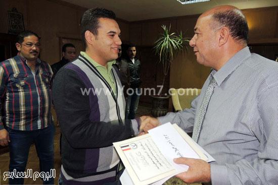مدير امن السويس يكرم 4 امناء بقسم فيصل (6)