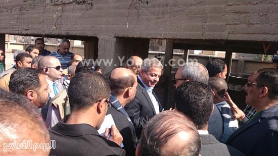 خالد عبد العزيز وعبد الحميد الهجان محافظ قنا ، جولة (6)