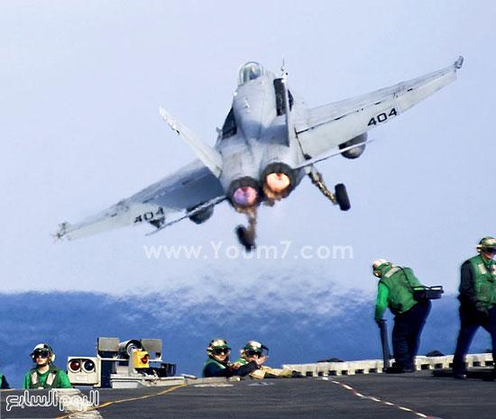 طائرة عسكرية تقلع من قاعدتها  -اليوم السابع -4 -2015