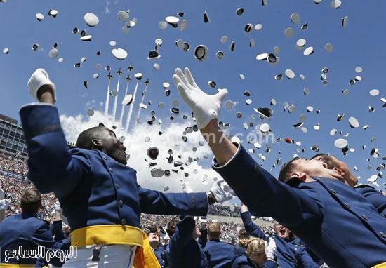 احتفال بعض الطلاب العسكريين  -اليوم السابع -4 -2015