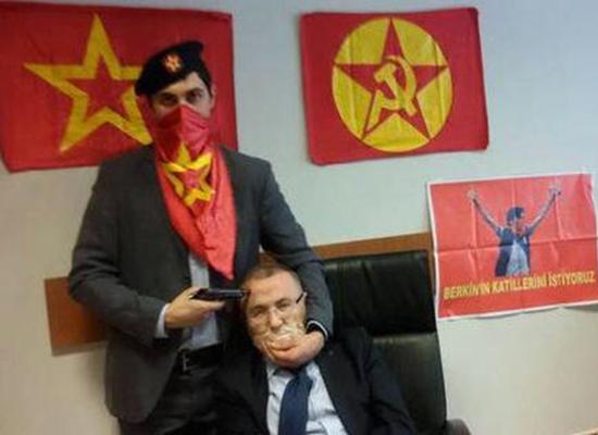 المدعى العام التركى أثناء احتجازه- اليوم السابع -4 -2015