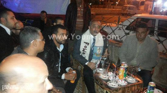 محافظ كفر الشيخ على المقهى يناقش الشباب -اليوم السابع -4 -2015