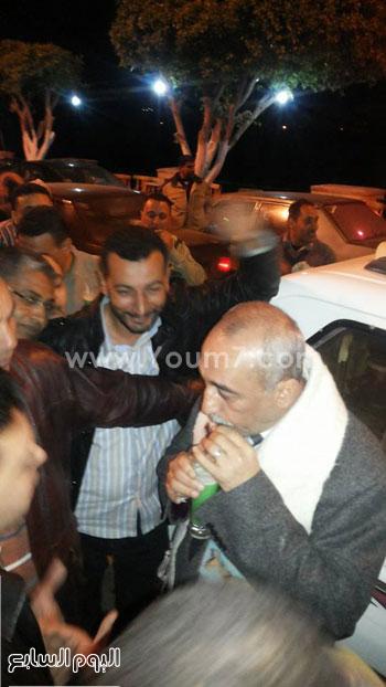 محافظ كفر الشيخ يشرب العصير بشوارع فوه -اليوم السابع -4 -2015