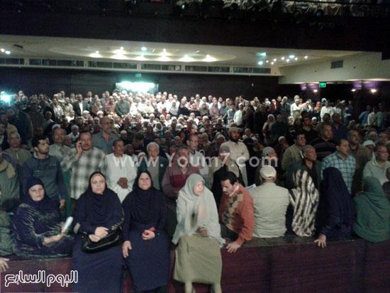 الأهالى أثناء انتظار القرعة -اليوم السابع -4 -2015