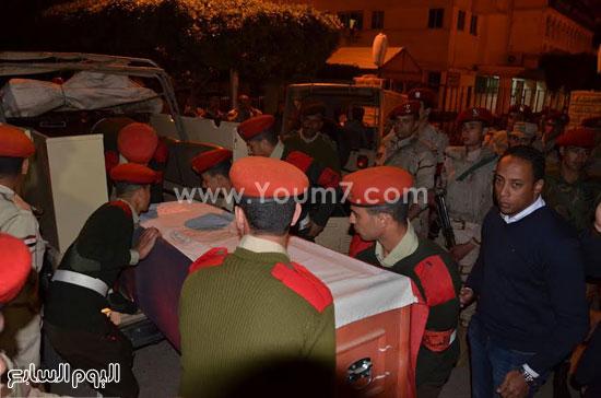 جثمان أحد الشهيدين -اليوم السابع -4 -2015
