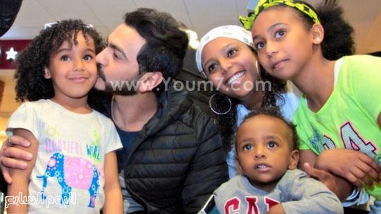 تامر حسنى مع الأطفال -اليوم السابع -4 -2015