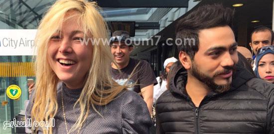 حديث تامر حسنى مع الفتاة المعجبة بيه -اليوم السابع -4 -2015