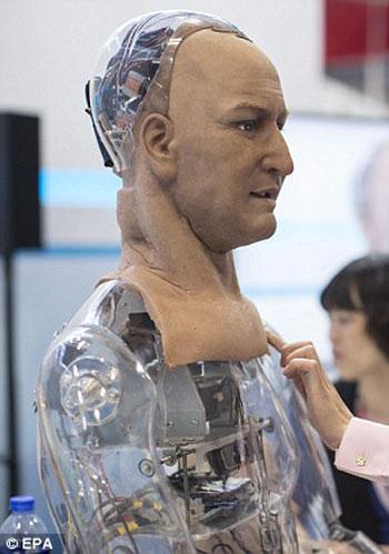 يمكن لهذا الروبوت رؤية وجه من أمامه -اليوم السابع -4 -2015