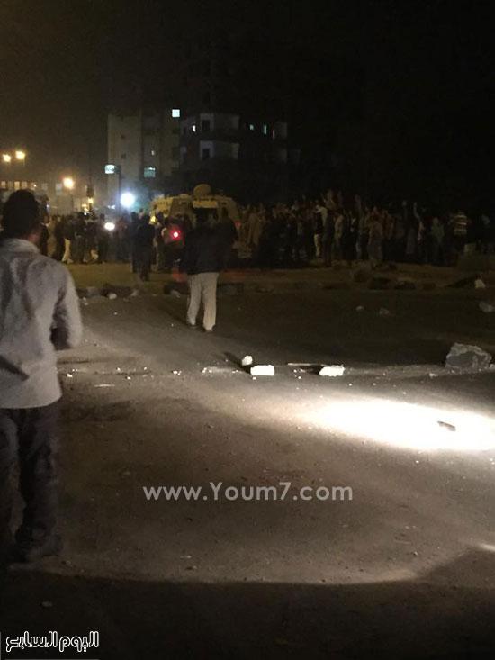 الأهالى بالمنوفية يقطعون الطريق احتجاجا على خطف طالبتين -اليوم السابع -4 -2015