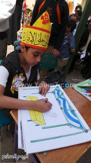 تلميذ يرسم المحافظ -اليوم السابع -4 -2015