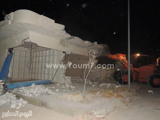 مدير أمن مطروح يقودان حملة لإزالة التعديات على أراضى الدولة -اليوم السابع -4 -2015