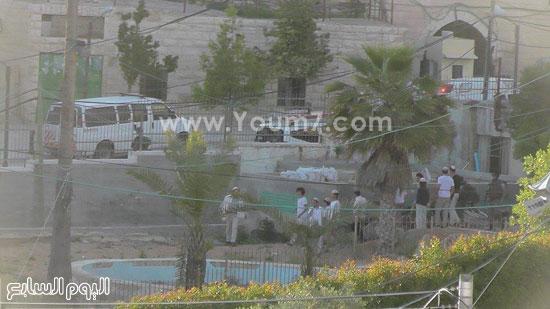 حالة من الهلع تصيب المستوطنين وسط تأمين الجنود لهم -اليوم السابع -4 -2015