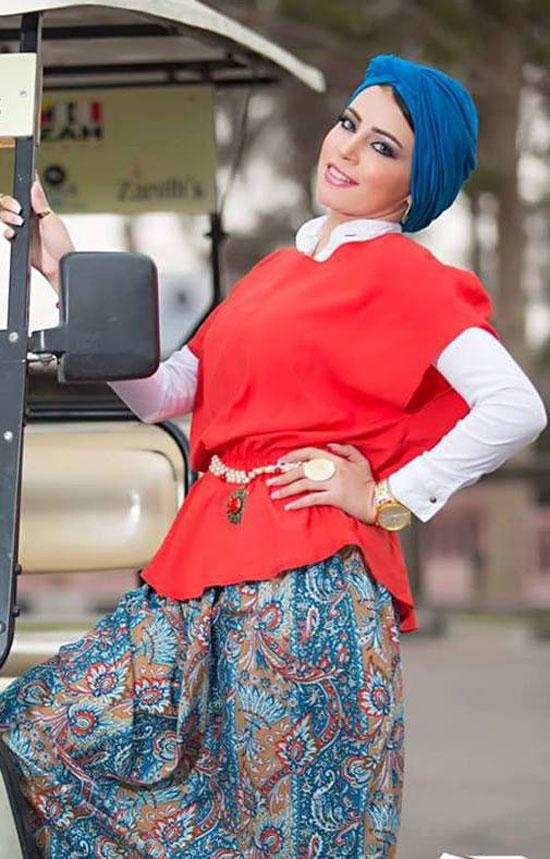 91d7508411d78 بالصور.. الألوان الصارخة موضة الحجاب فى صيف 2015 - اليوم السابع