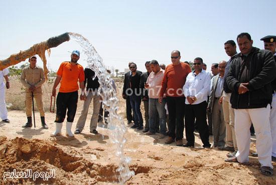 1- محافظ يتابع اكتشاف وإزالة أحد التعديات لسرقة مياه الشرب -اليوم السابع -4 -2015