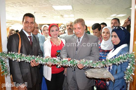 المحافظ يفتتح المعرض -اليوم السابع -4 -2015