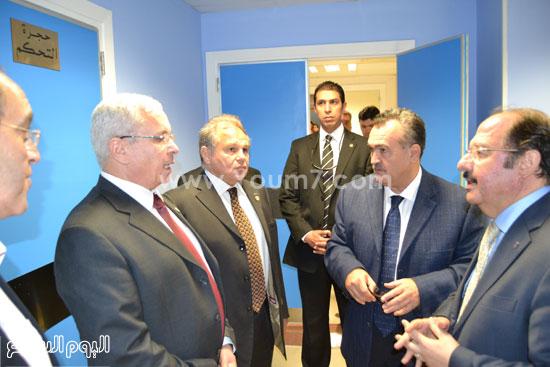 وزير التعليم العالى يتفقد مستشفى سموحة -اليوم السابع -4 -2015