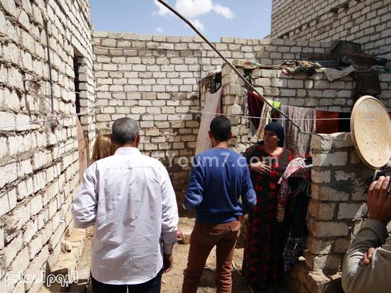 الفقر وغياب الخدمات أبرز سمات القرية  -اليوم السابع -4 -2015