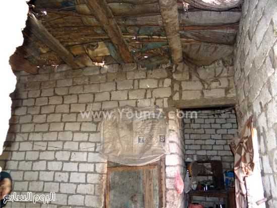 أسقف متهالكة داخل المنازل -اليوم السابع -4 -2015