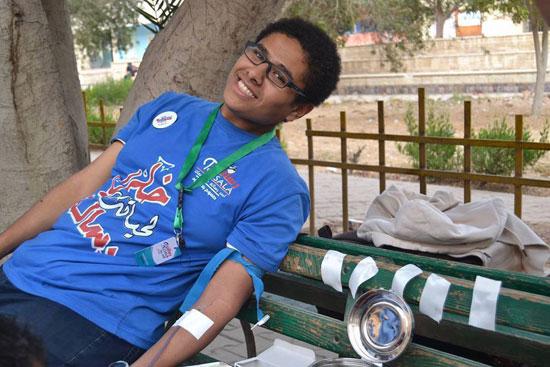 متبرع بالدم -اليوم السابع -4 -2015