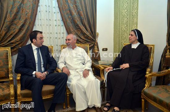 محافظ بنى سويف يقدم التهنئة لقيادات الكنائس -اليوم السابع -4 -2015