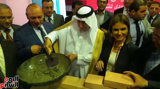 وزير المالية السعودى يضع حجر الأساس لتطوير قصر العينى (1)