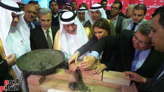 وزير المالية السعودى يضع حجر الأساس لتطوير قصر العينى (3)