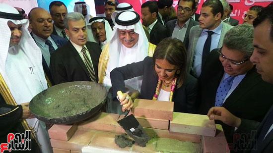 وزير المالية السعودى يضع حجر الأساس لتطوير قصر العينى (4)